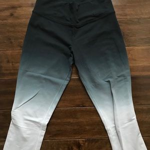 nike cropped pant
